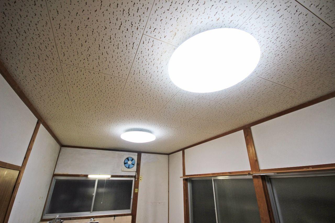 全室リモコン付きのLED照明で、お部屋を明るく照らしてくれます。