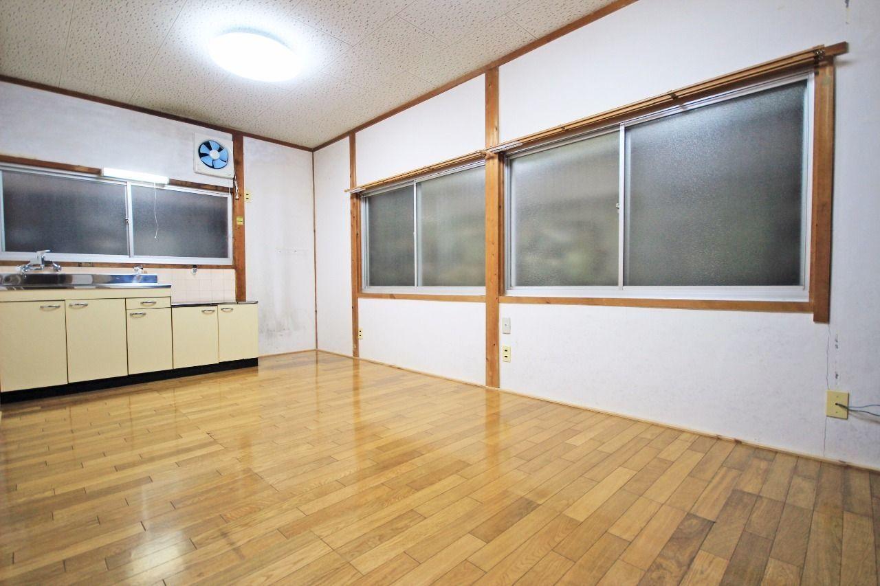 ヤマモト地所の賃貸アパートの平和アパート 2号室の内観の2枚目