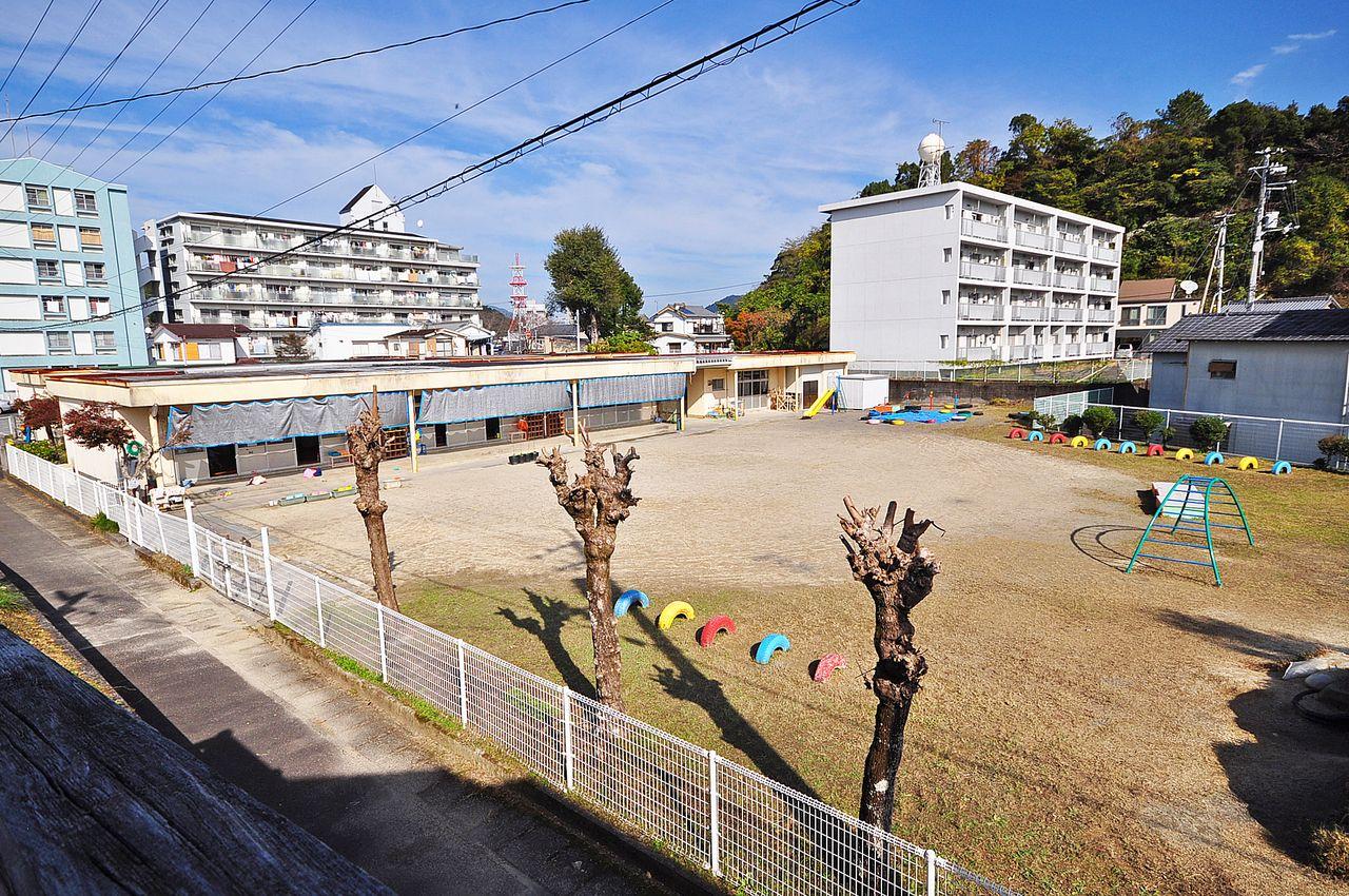 もみじ保育園までの距離、推定5メートル。お子様を預けるのもすぐそこ。学校は中村南小学校区になります。