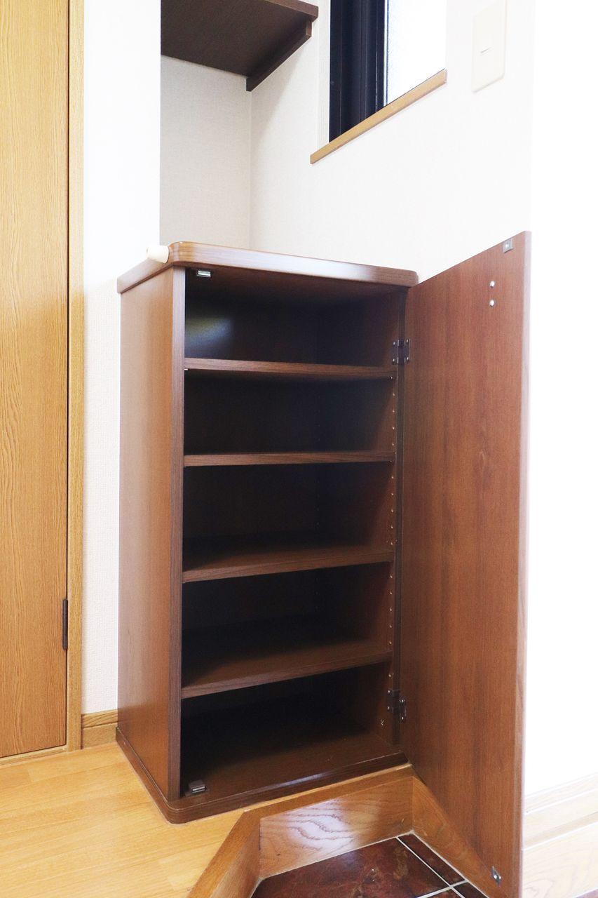 お一人暮らし用ジャストサイズのシューズボックス!玄関周りはいつもスマートに。