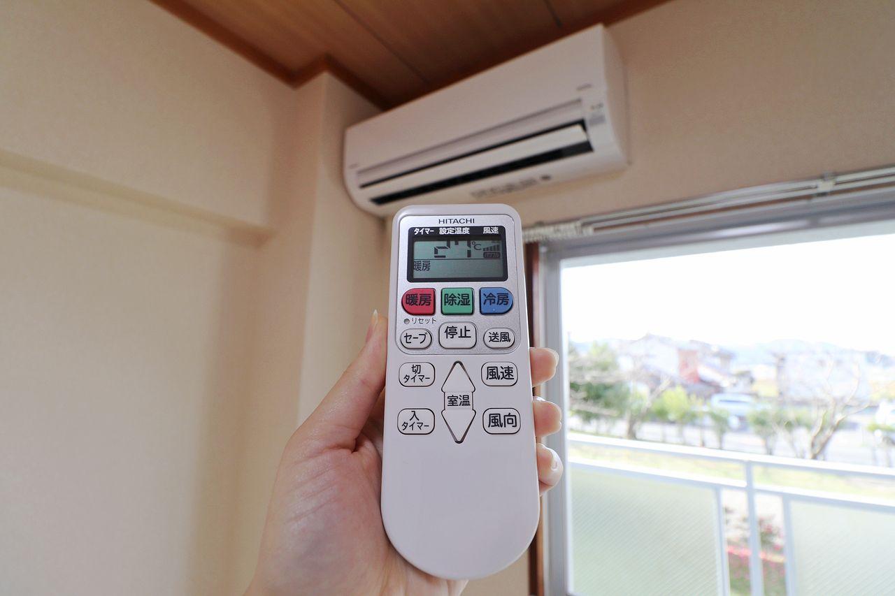西側洋室・東側洋室ともにエアコンが付いています。引っ越し費用を抑えたい・・という方にも嬉しい設備☆