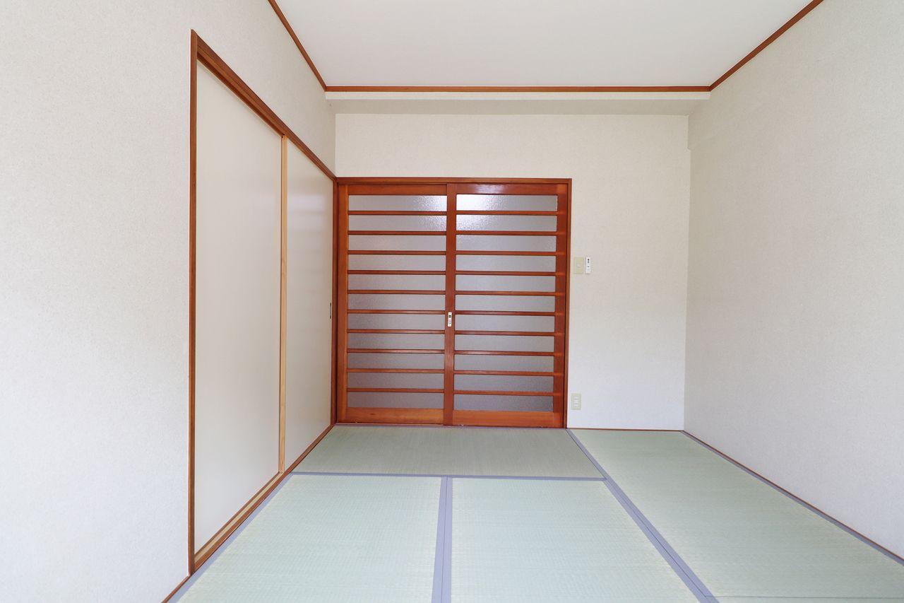 日本人の心の拠り所。畳の香りを味わいにいらして下さい。南側にあることで昼間はポカポカですよ。