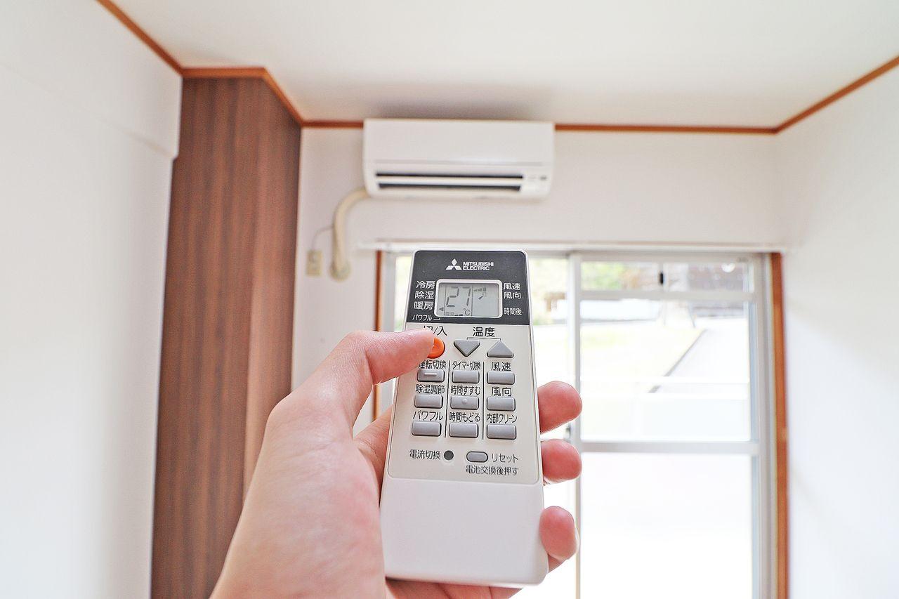 南側洋室2部屋にエアコンが備わっています。間仕切りを開放すればLDKにも使えられるかもしれません。
