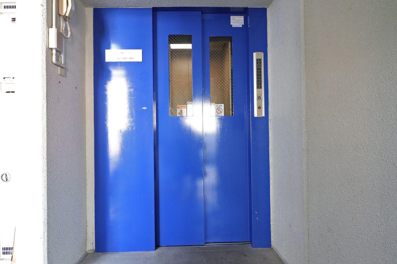 キツ~い4階までの上り下りもエレベーターがあれば安心です。