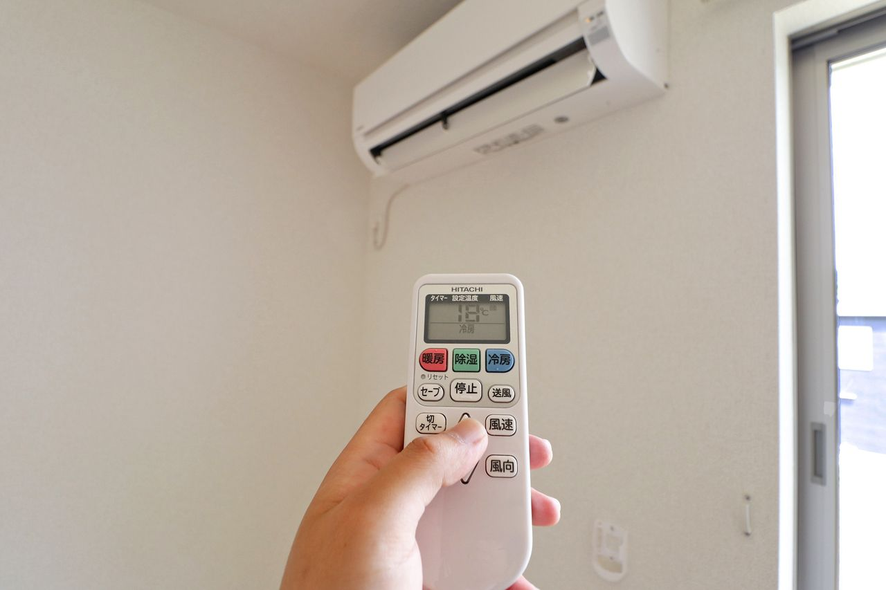 設備としてエアコンが2台付いています。お引っ越しの際に揃えるものが減るのは嬉しいですよね(*´∀`)