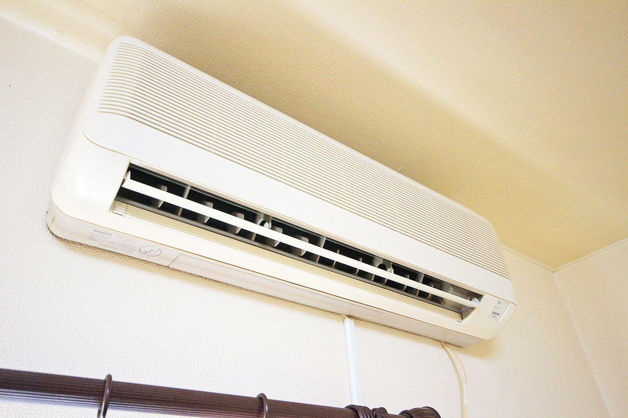 エアコンもしっかりついております。設備としてあると故障した時も安心。