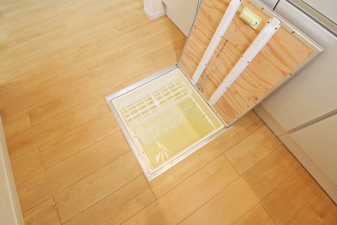 キッチンに床下収納があります。調味料のストックなど使い方いろいろ(*´∀`*)