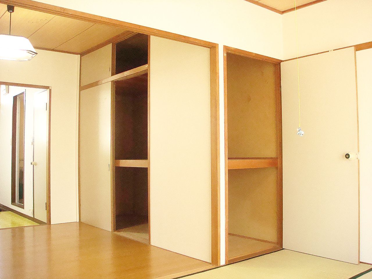 洋室と和室にそれぞれ収納がある為、お荷物が多い方でもきっとご満足いただけます。
