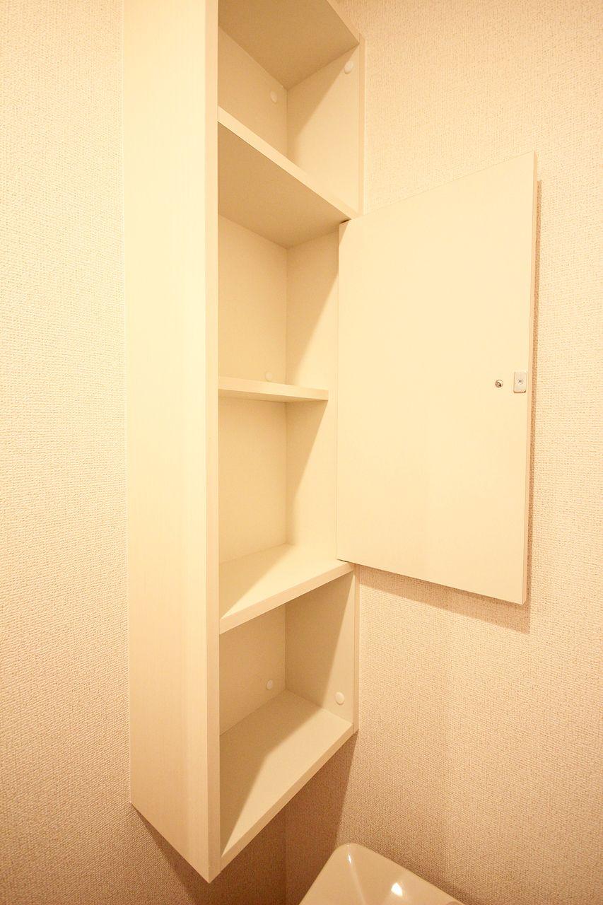 所々に散りばめられている収納スペース。物が多い方でも収納スペースだけで物が納まるかもしれませんよ。