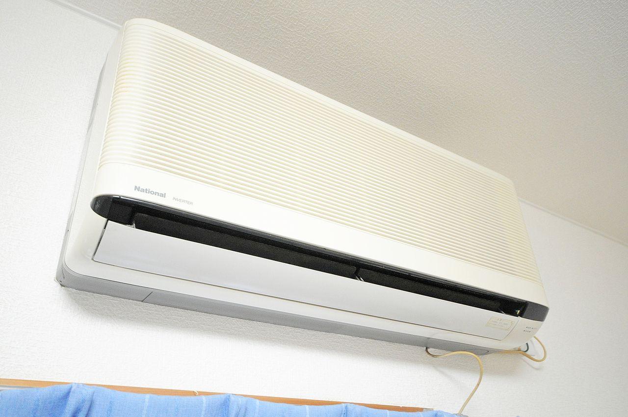 今やなくてはならない設備のひとつ。エアコンもしっかりとついています。
