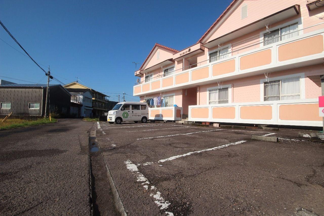 ヤマモト地所の夕部 大輔がご紹介する賃貸アパートのサンライフ寿 1Cの外観の5枚目