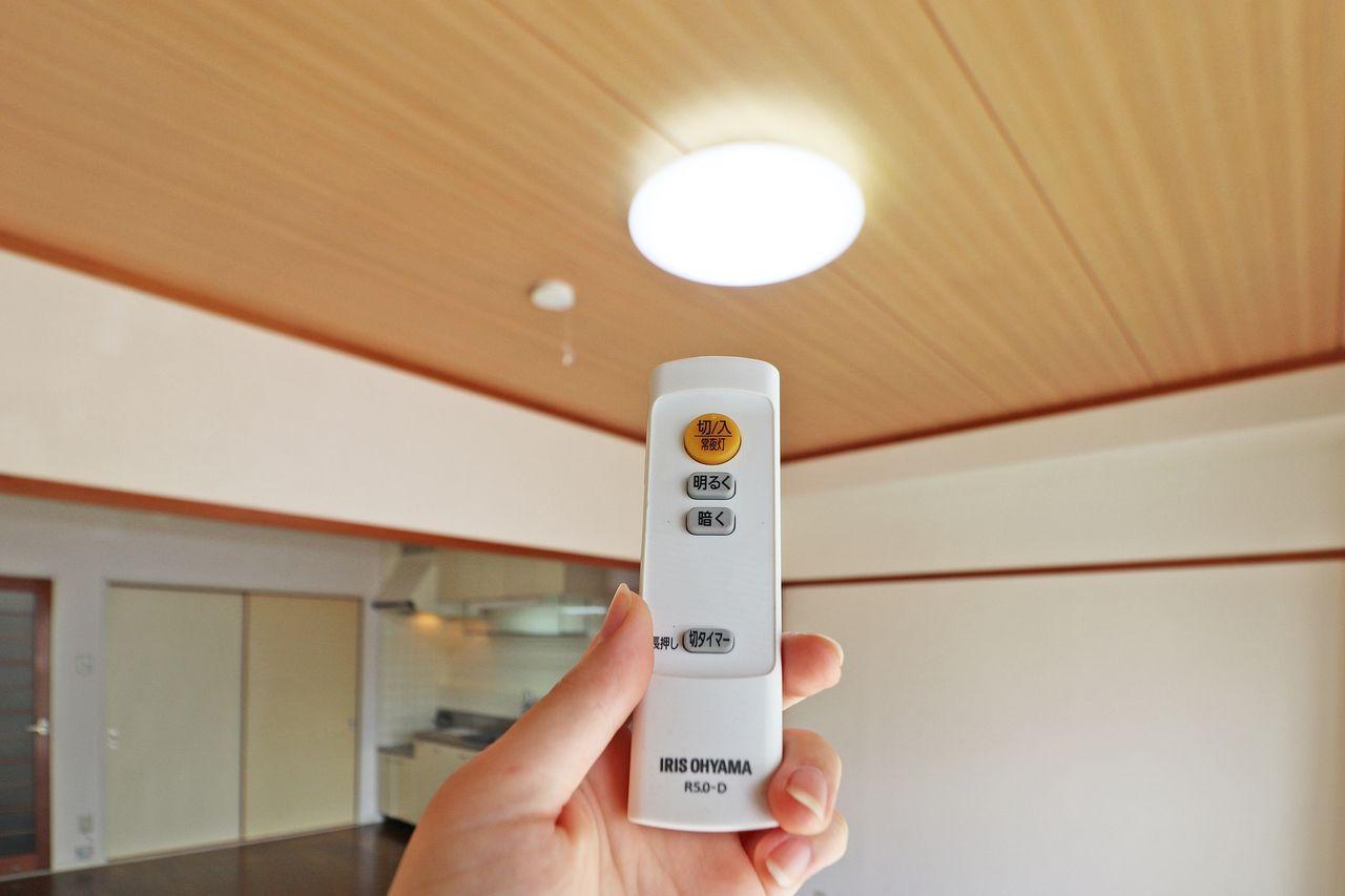 電気代が安くなる!だけじゃない。蛍光灯交換の必要がないので、蛍光灯交換費用もカット!