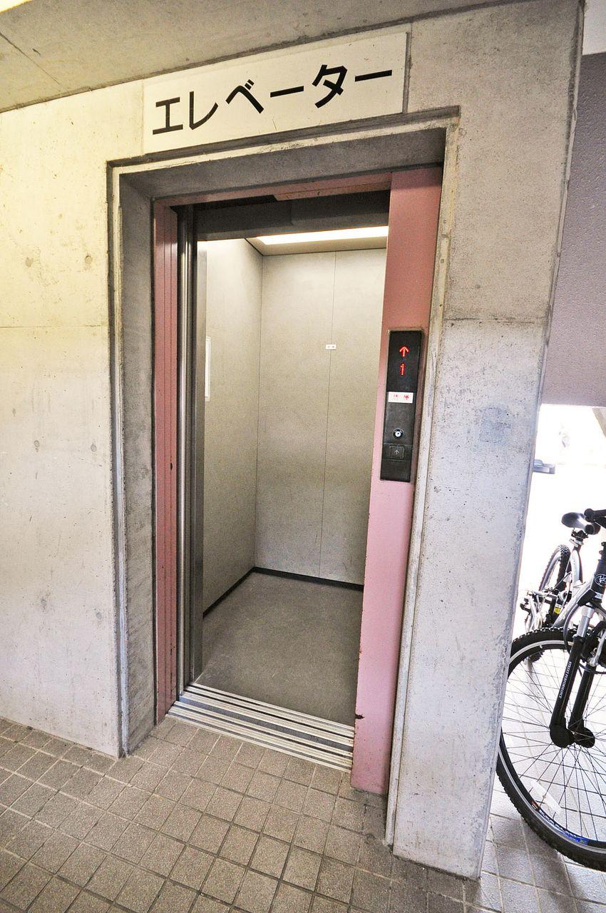 7階までもラクラク上り下りができるエレベーター付きマンションです!