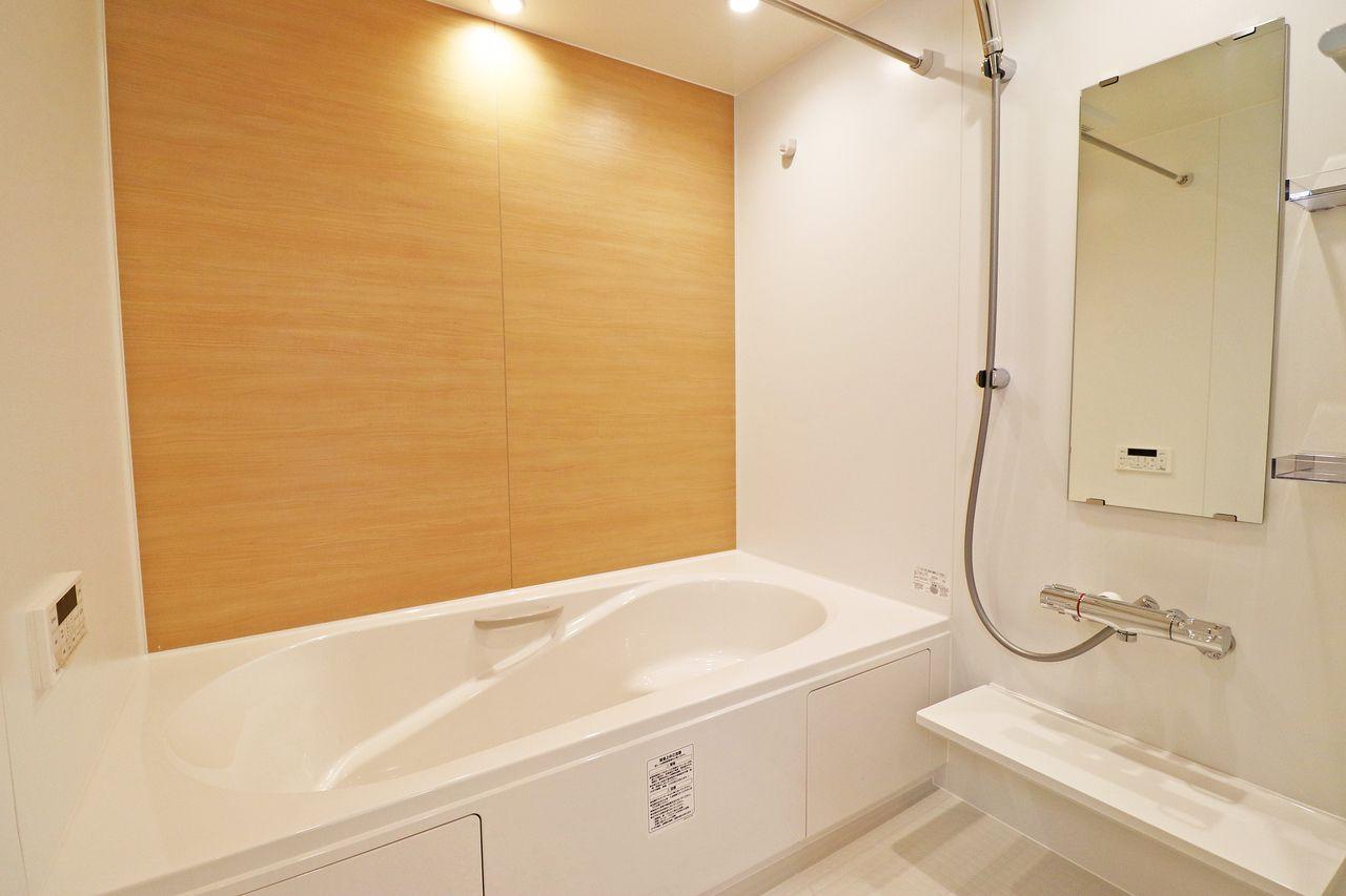 毎日の疲れは広々としたお風呂で癒しましょう♪浴室乾燥機付きですので、雨の日や花粉の時期も安心ですね。
