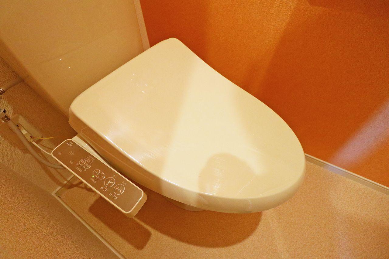 お尻を清潔にしてくれる人気のアイテムです。トイレットペーパーの節約にも!