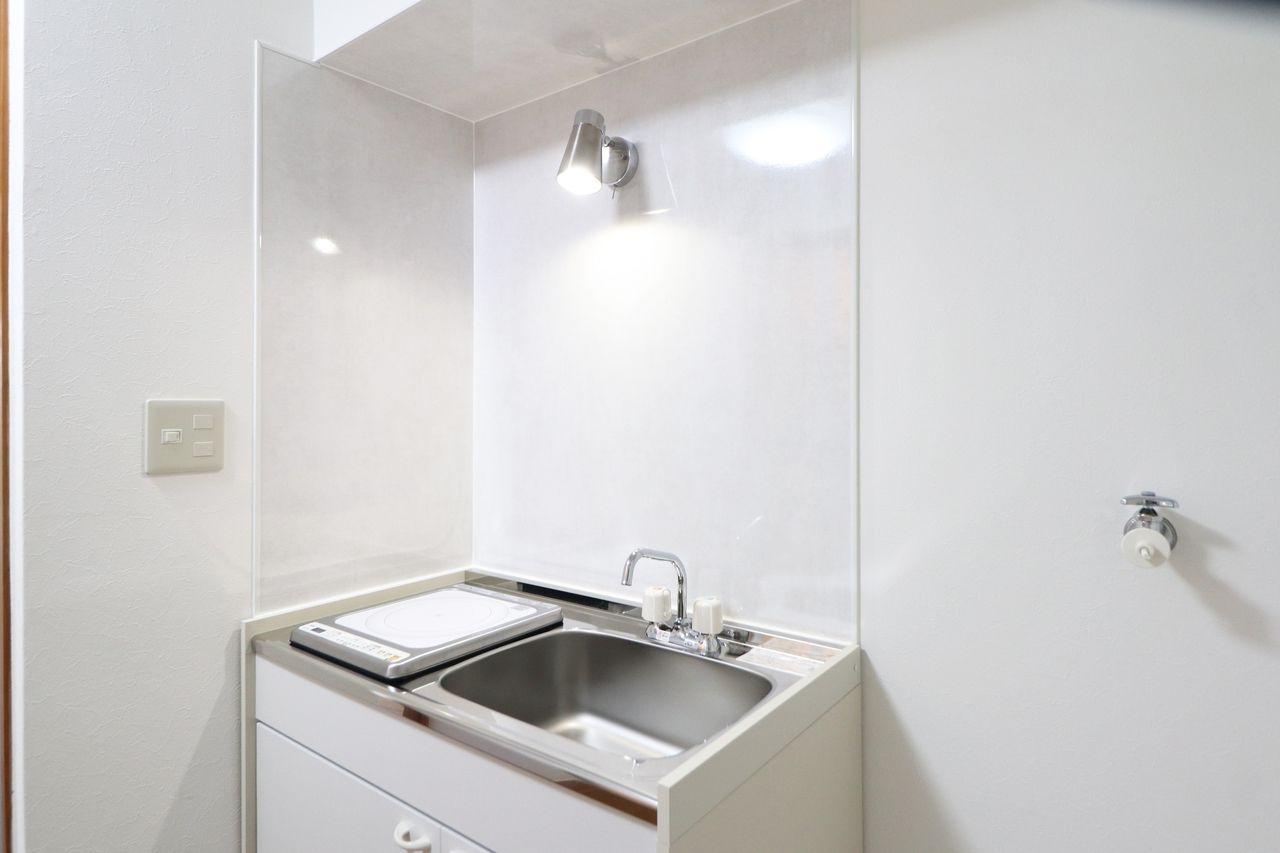 揚げ物などの際、温度制御がやりやすいIHクッキングヒーター。掃除も拭くだけで便利です!