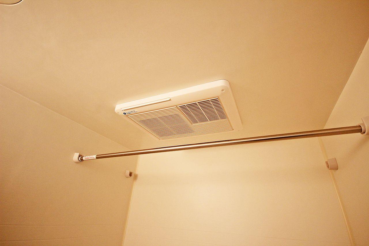 雨の日でも、洗濯物を室内でカラッと乾かせます。夕方に取り込めない方にもオススメです!