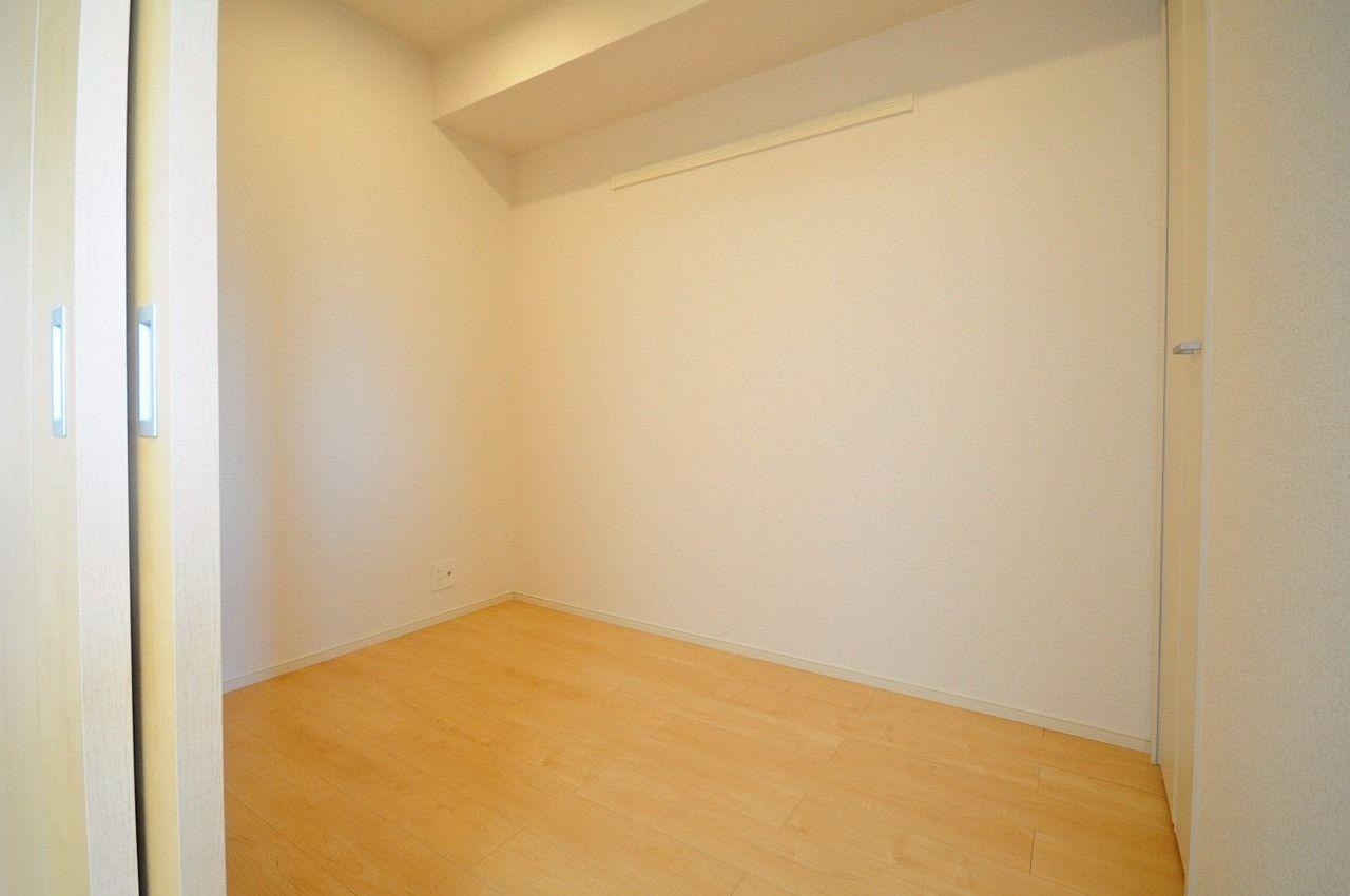 収納として、隠し部屋として、使い方が様々な空間。