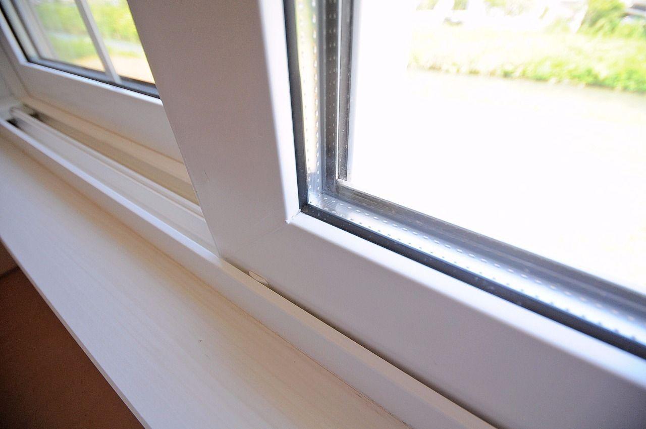 断熱効果・結露防止効果があります。エアコンの効率を高め、省エネ効果が期待できます。