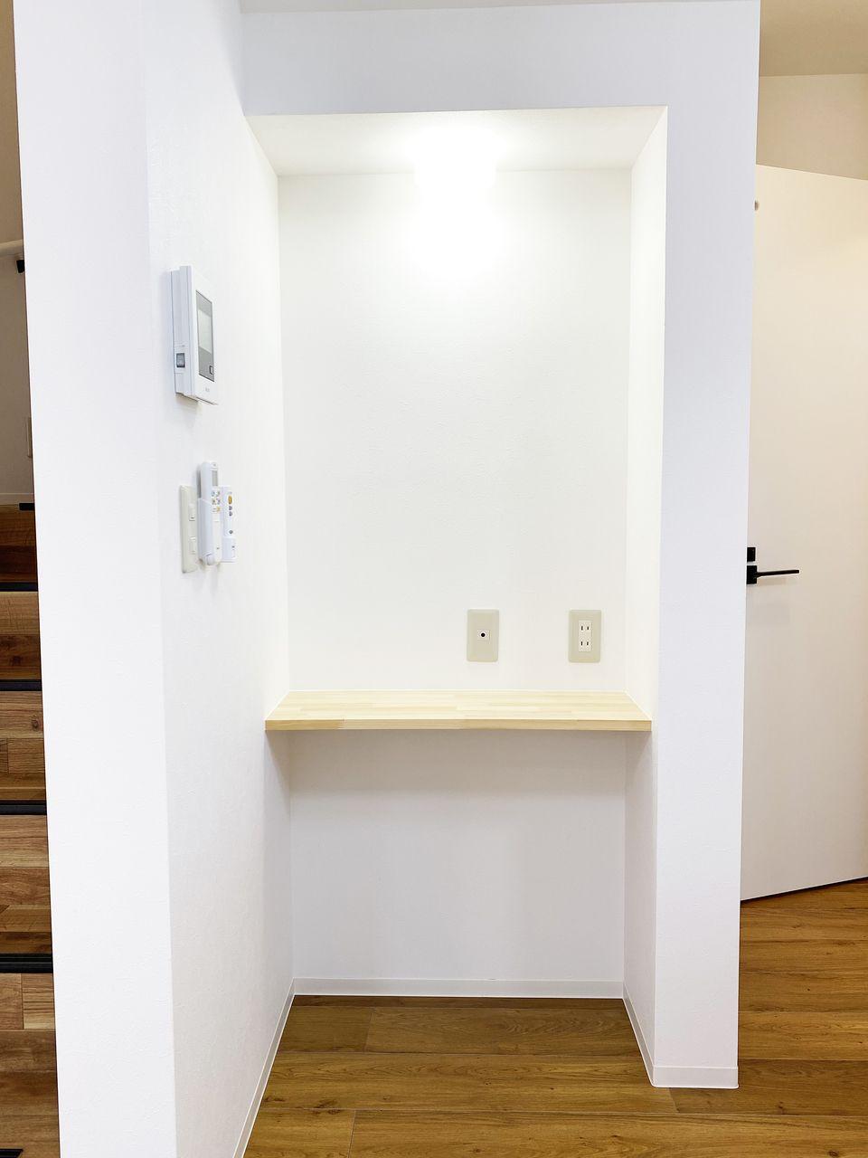 LDKのニッチに設けられた棚、こういうのが便利なんです!