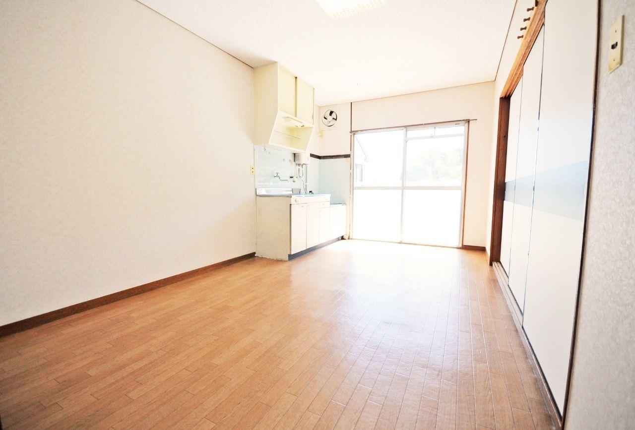 縦長のDKで、家具・家電の配置もしやすいです。レイアウト次第でいろいろな使い方ができそう♪