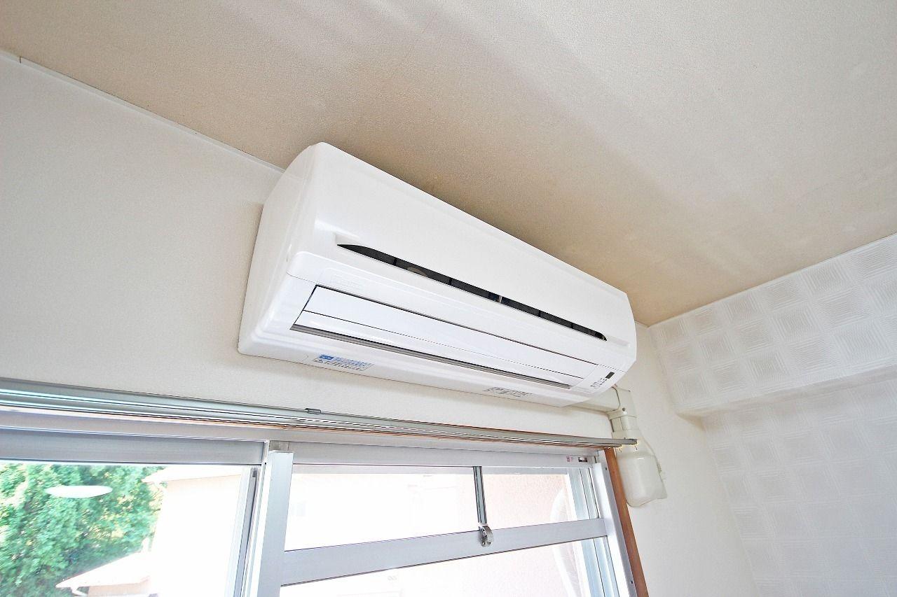 LDKだけじゃなく、北側洋室・南側洋室にも付いています。賃貸物件で全部屋エアコン付きは珍しく、自分で購入する必要がありません。