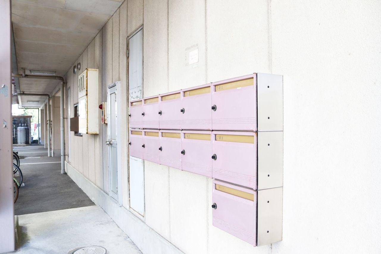 集合ポストはダイヤル錠付きのポストです。郵便物もプライバシーですので、鍵が掛けられると安心感があります。