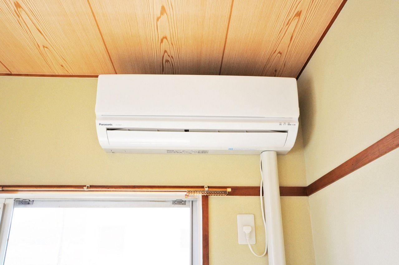 和室に1台設置されています。畳の上で夏も冬も快適に過ごせます。
