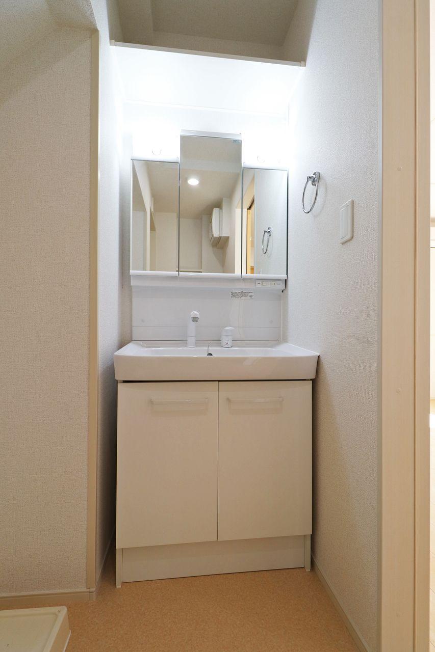 伸びるシャワータイプなのでボウルのお掃除や朝の寝ぐせ直しに役立ちます♪朝の準備の時短にもなりますね。
