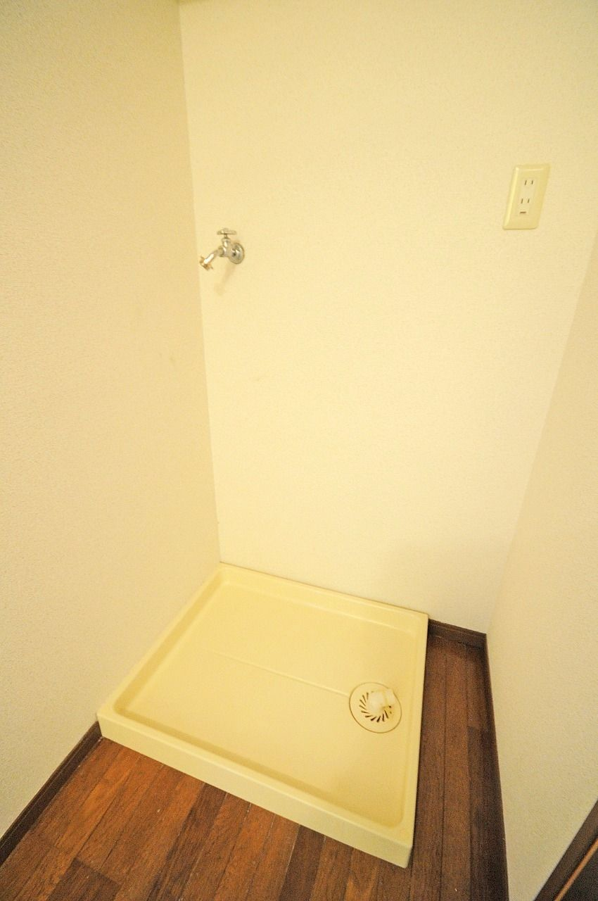 何気に嬉しい室内洗濯機置場。寒い冬でも安心です!