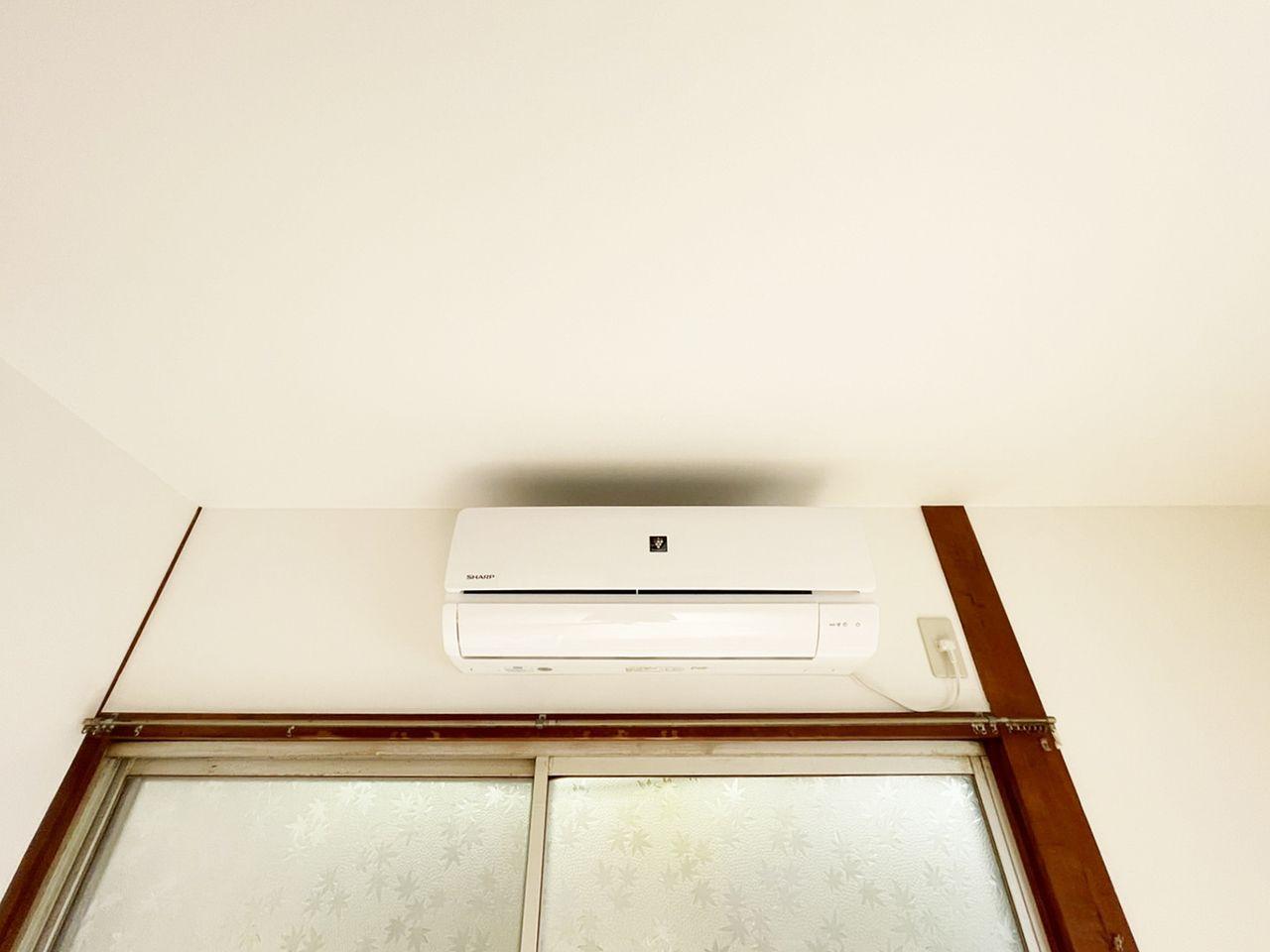 1階の洋室にはエアコンが設置されています。家族だんらんのお部屋としてつかうのが良さそう♪