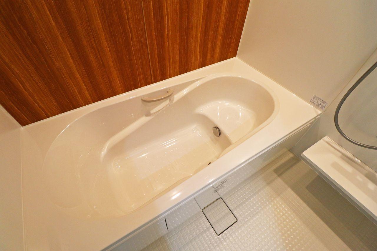 毎日の疲れは広々としたお風呂で癒しましょう♪浴室乾燥機付きですので、雨の日や花粉の時期も安心ですね(*´∀`*)