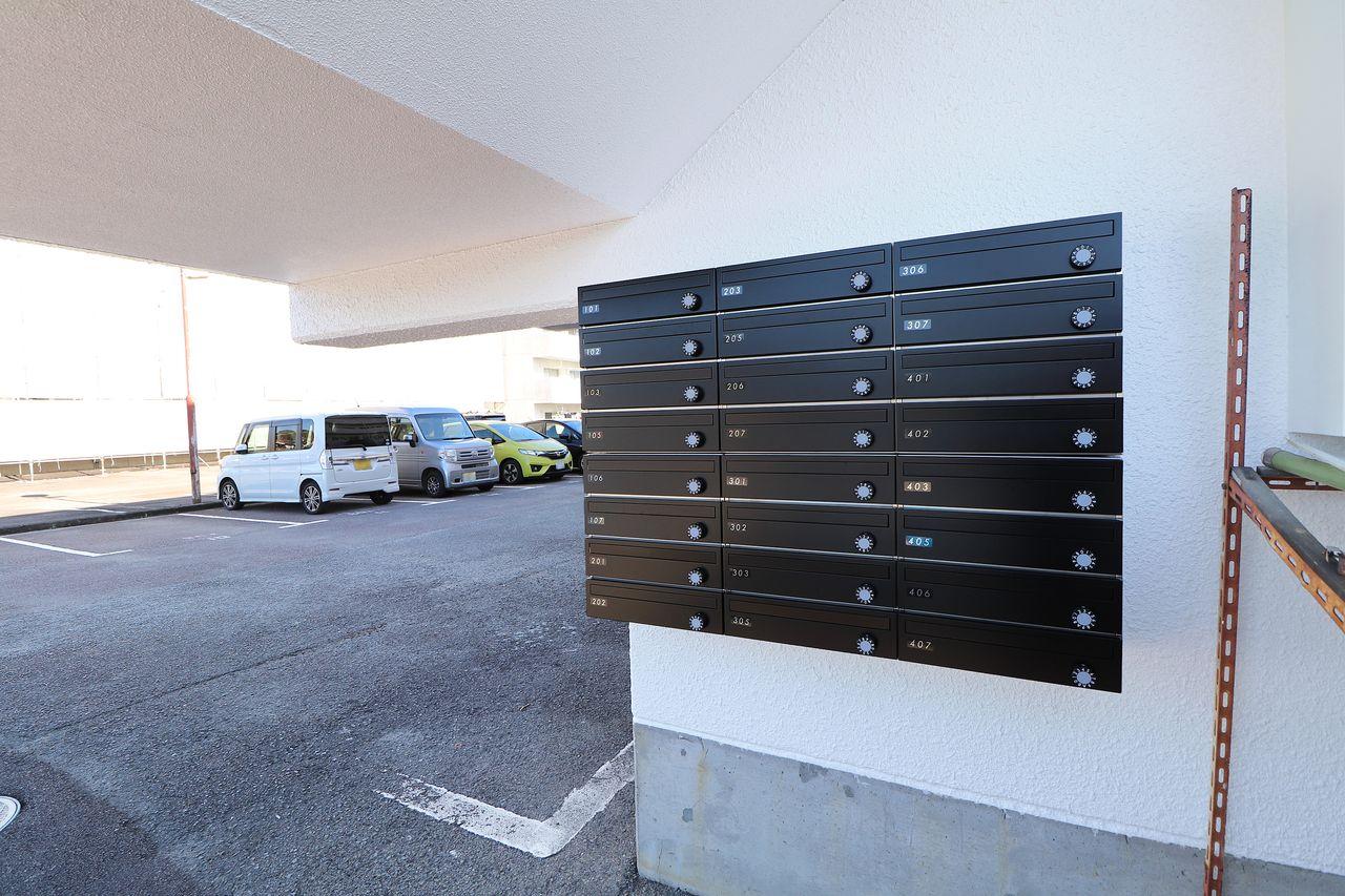 郵便物もしっかり鍵のかかるポストがあると安心です。