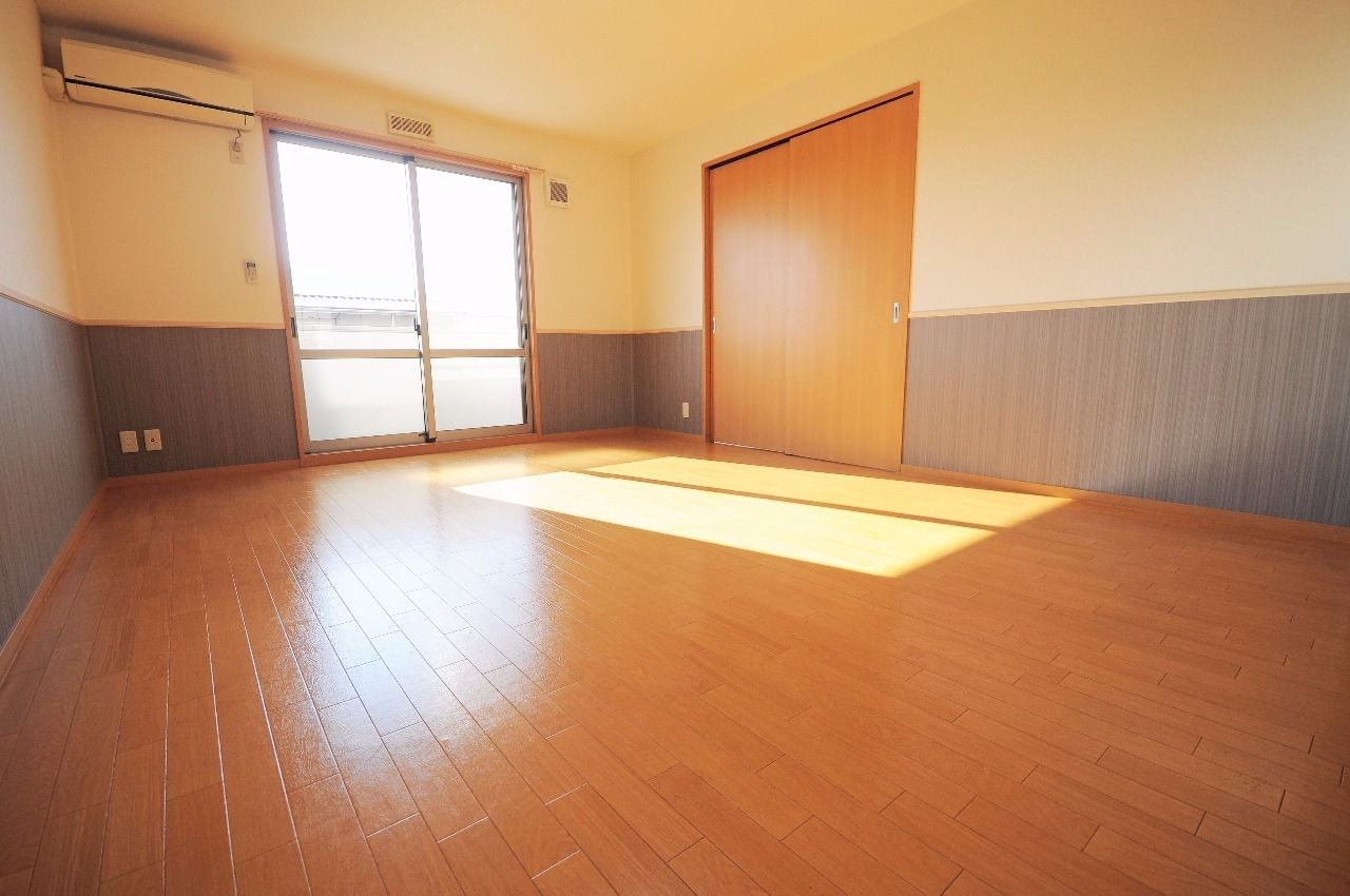 ヤマモト地所の夕部 大輔がご紹介する賃貸アパートのコーポファミール 202の内観の11枚目