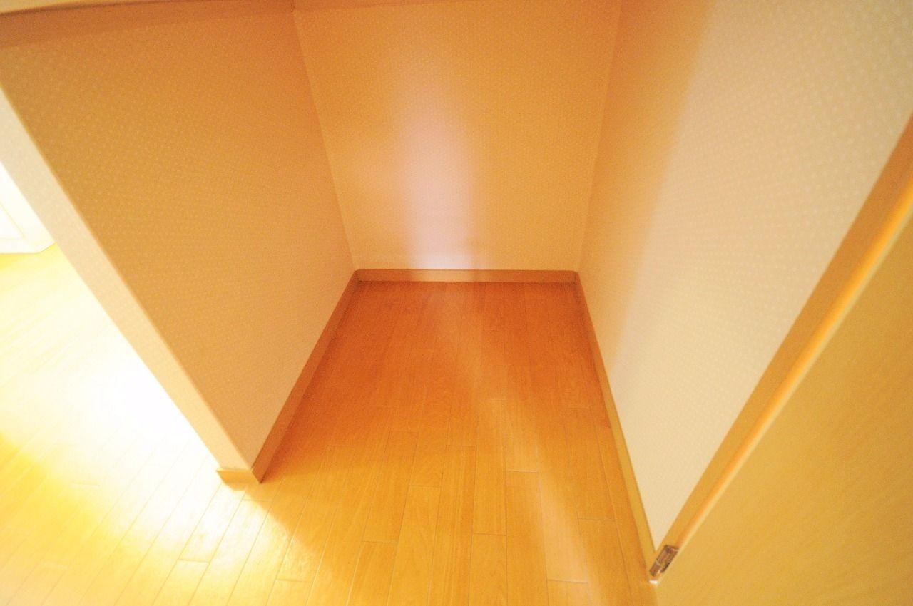 ヤマモト地所の夕部 大輔がご紹介する賃貸アパートのコーポファミール 202の内観の4枚目