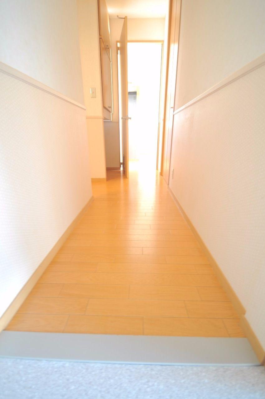 ヤマモト地所の夕部 大輔がご紹介する賃貸アパートのコーポファミール 202の内観の1枚目