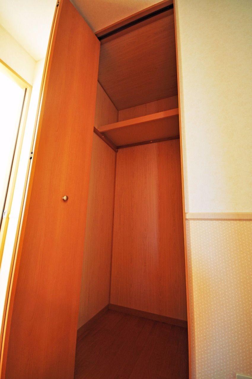 ヤマモト地所の夕部 大輔がご紹介する賃貸アパートのコーポファミール 202の内観の2枚目