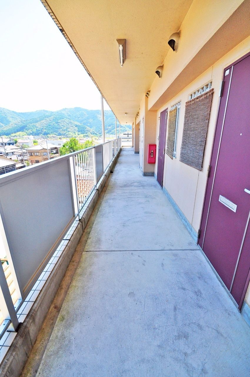 ヤマモト地所の夕部 大輔がご紹介する賃貸マンションのカーサ京町 307の外観の3枚目