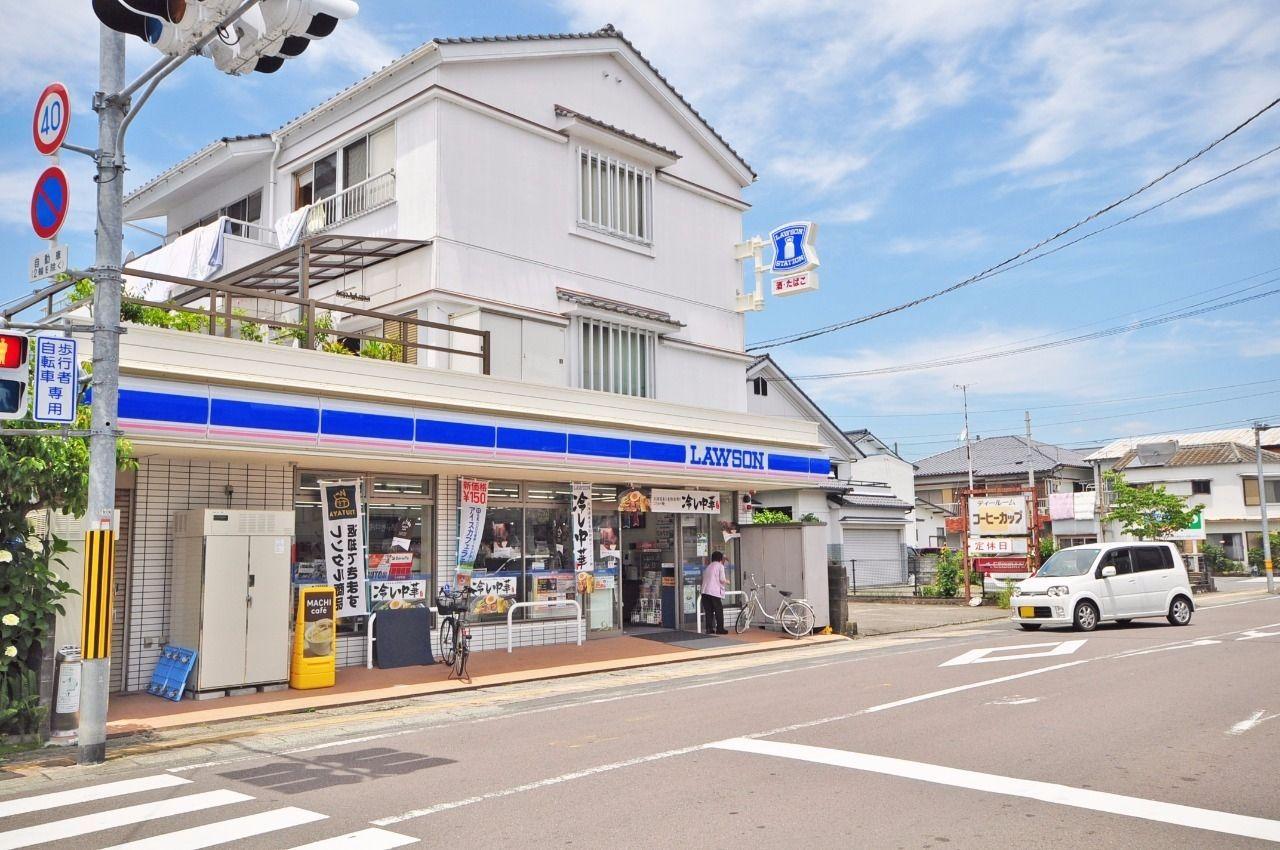 中村東町店と中村天神橋店が徒歩6分の距離にございます。