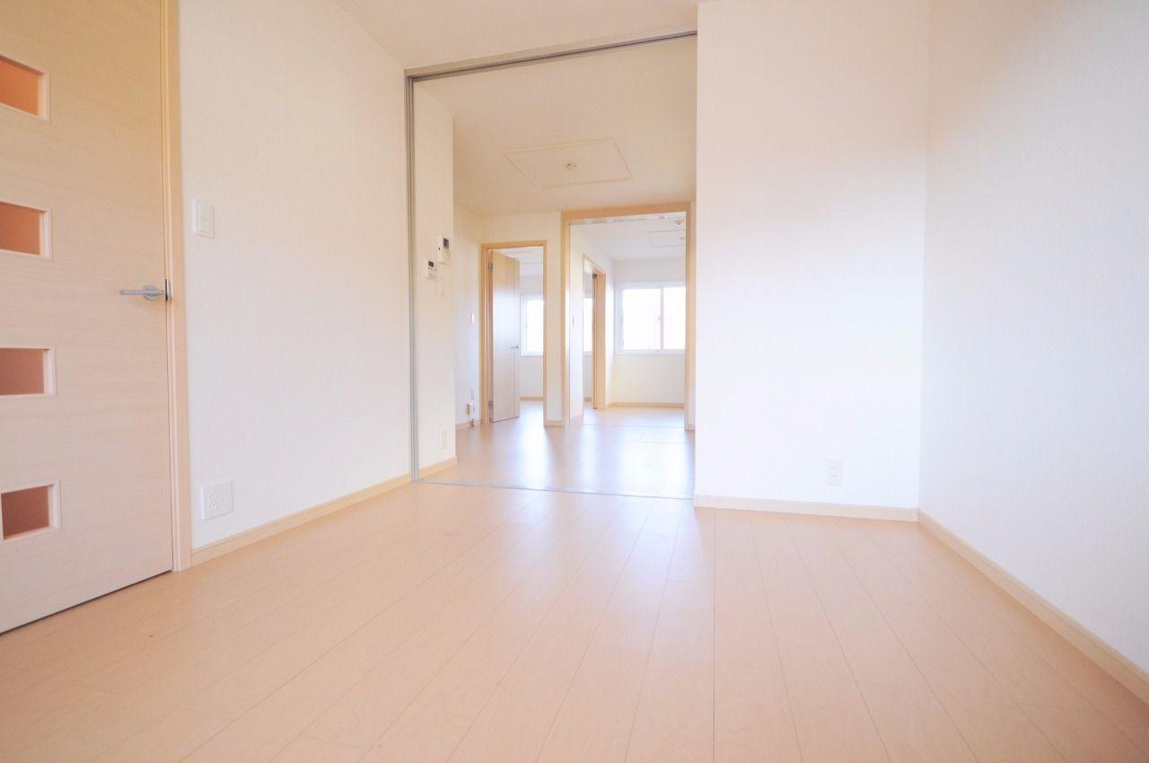 全室扉を開けると開放的な空間になります。個室もいいですが、大空間も楽しめますよ♪