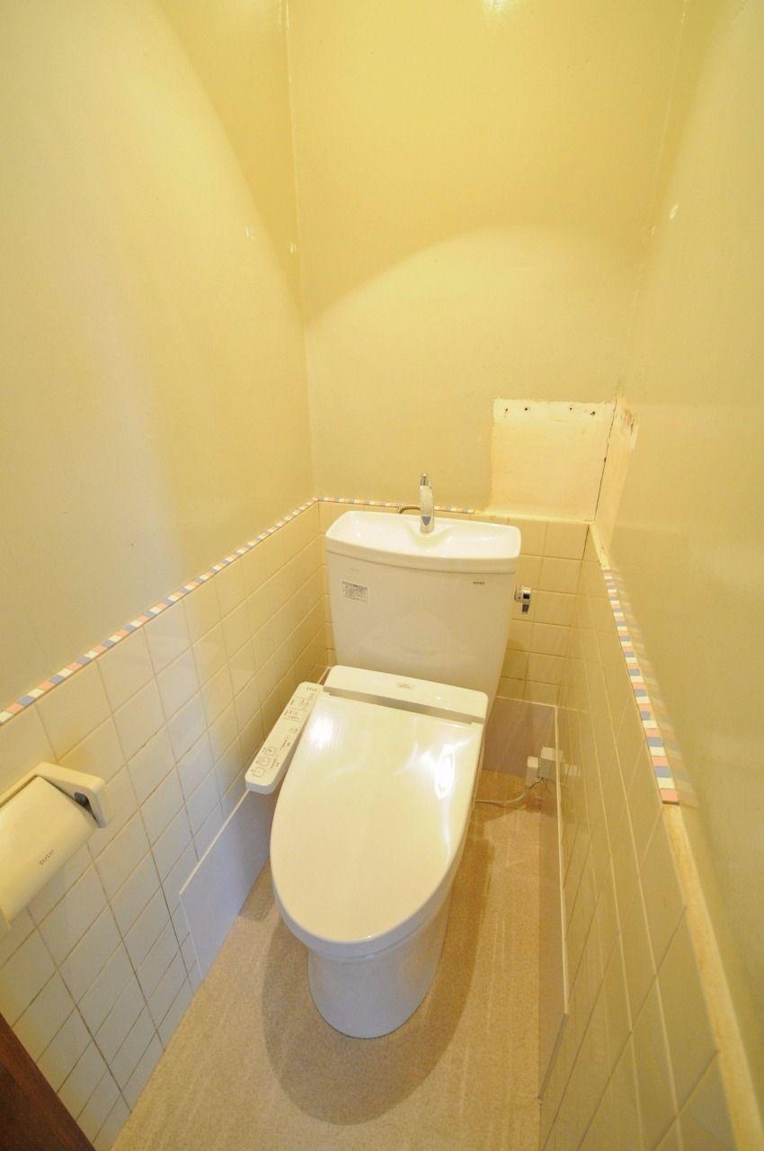 トイレはウォシュレット付きです!日に何度もトイレに行く方は、お尻を傷つけず洗浄できますよ!