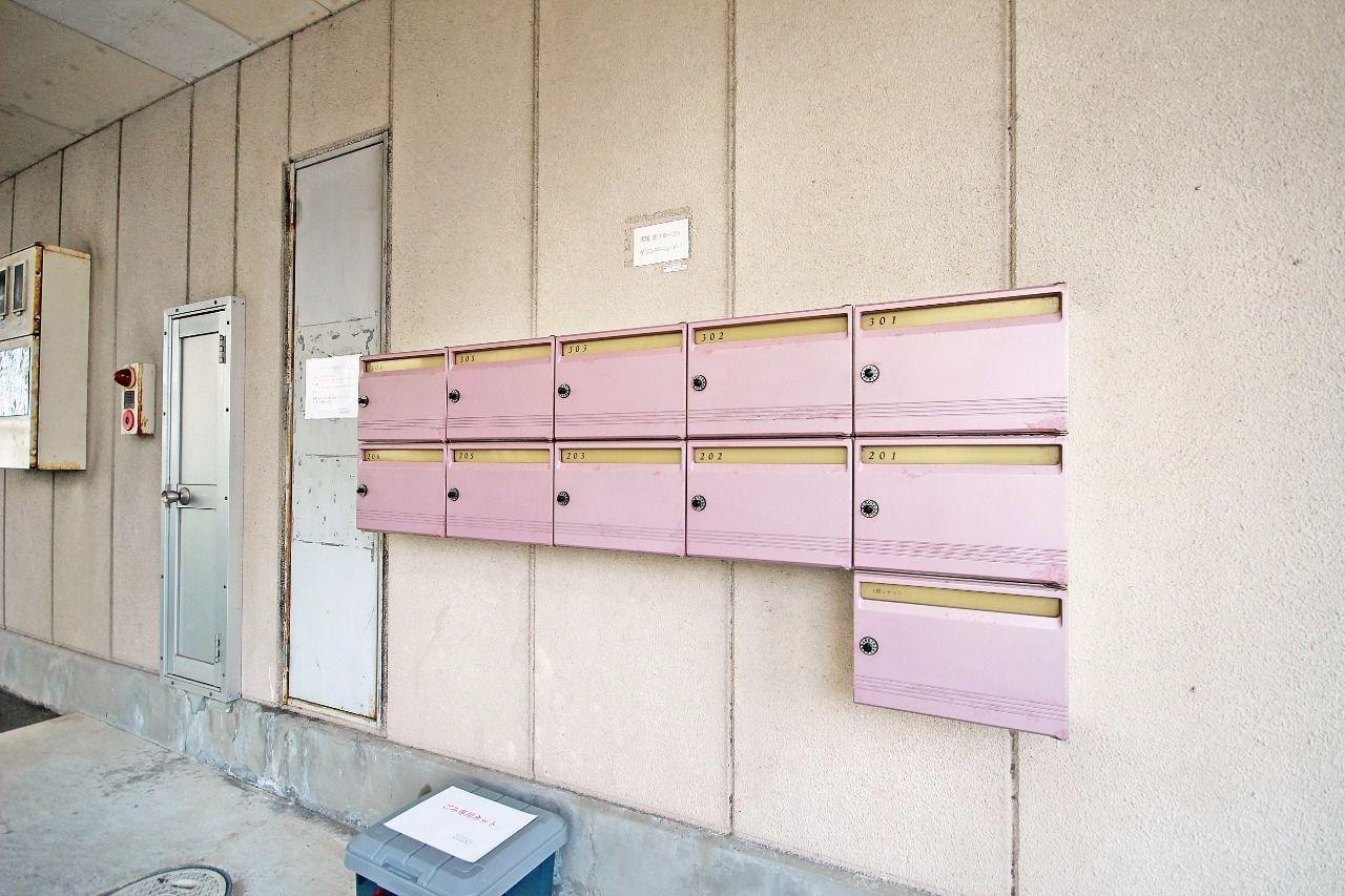 ダイヤル錠付きなので、郵便物を荒らされたり、盗まれる心配がありません。