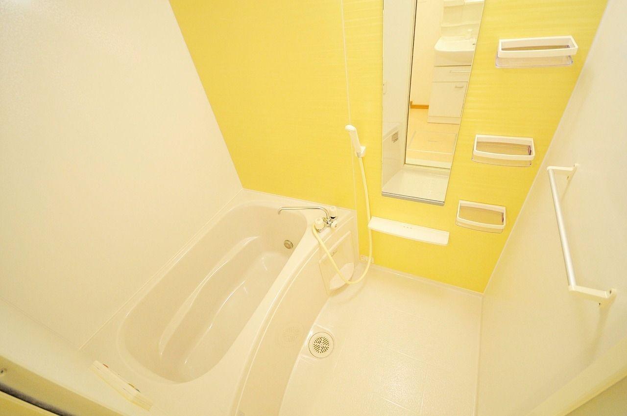 お風呂は追焚機能が付いた優秀なお風呂になっています。
