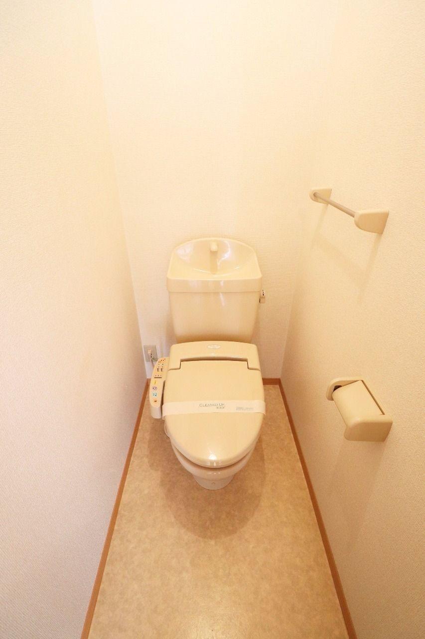 お尻を清潔にしてくれるアイテムです。トイレットペーパーの節約にも。