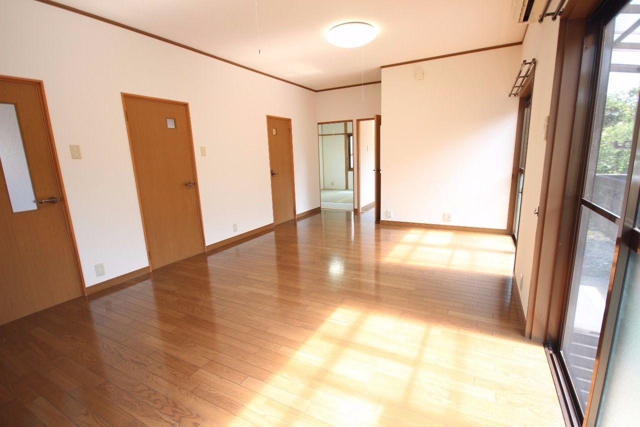 13畳のLDK♪家具の配置を考えるのも楽しそうですね。