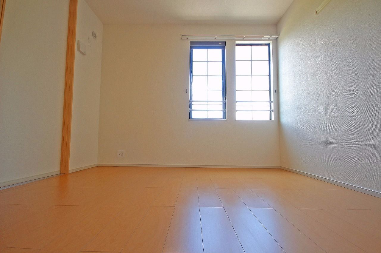 ヤマモト地所の西内 姫乃がご紹介する賃貸アパートのグランド・ソレイユ 202の内観の16枚目