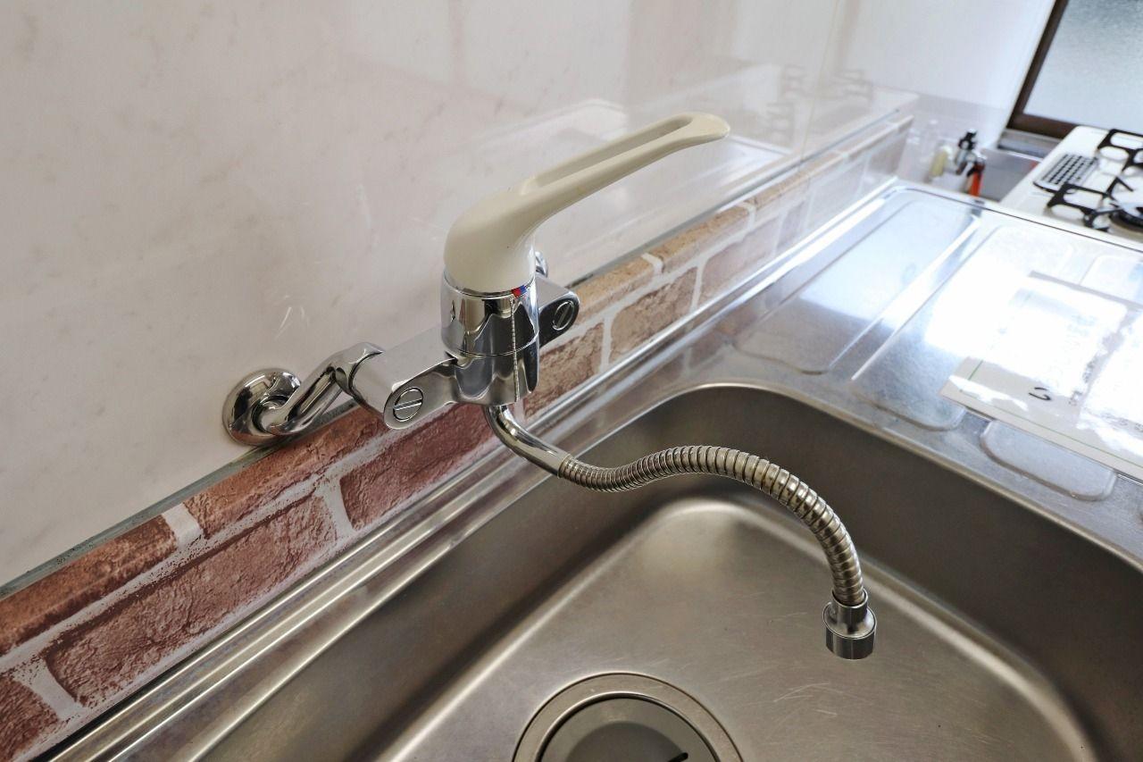 レバーが1つなので操作が片手で簡単!たとえばキッチンで料理や洗い物をする際などは非常に役に立つことでしょう。