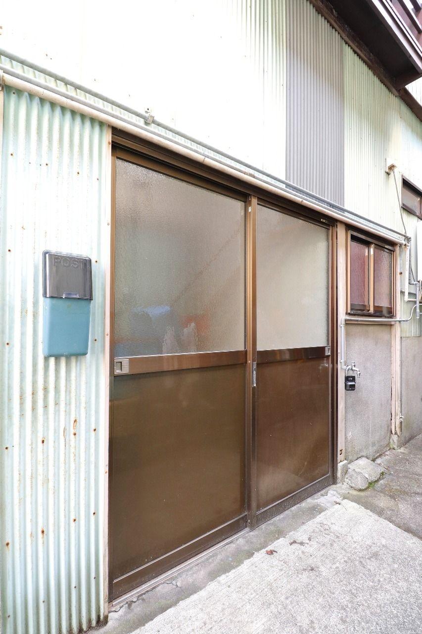 ヤマモト地所の西内 姫乃がご紹介する賃貸一軒家のライムハウスの外観の2枚目
