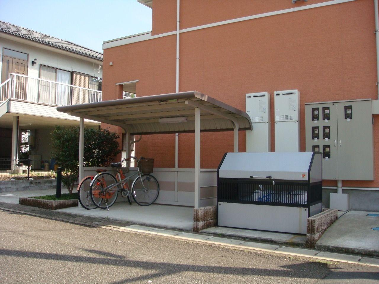 自転車をお持ちの方は、こちらをご利用ください。ゴミステーションがあることで周辺の清潔さも保ってくれます。
