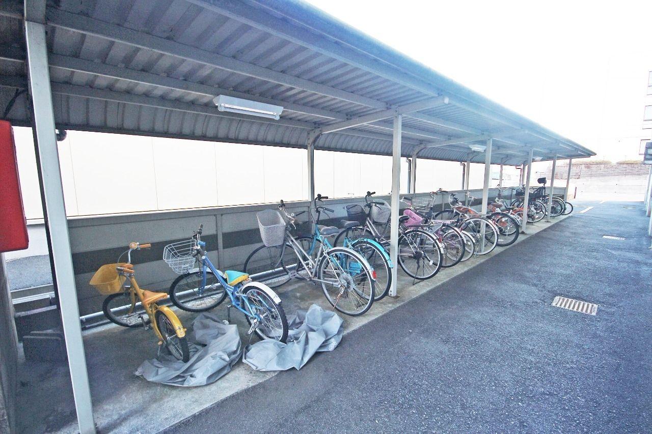 南小校区です。この大容量駐輪場はすごく助かりますね~!